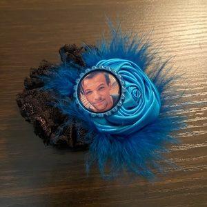 Louis hair flower